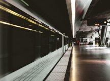Elevii și studenții cer Guvernului ca metroul să circule non-stop