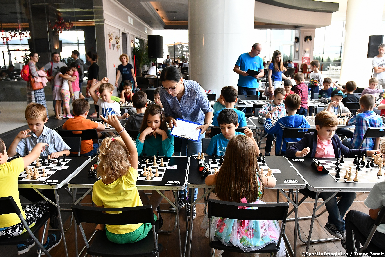 Micuții pasionați de șah se întrec la Mega Mall în cadrul Grand Prix MegaChess, ediția a patra