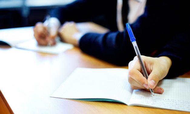 Simulare BAC 2019: Peste 40% dintre elevii de clasa a XII-a au promovat examenul