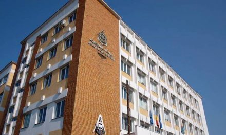 "O noua generatie de elevi militari depune juramantul la Academia Navala ""Mircea cel Batran"""