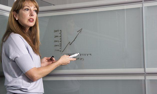 Profesorii nu mai au voie sa faca meditatii pe bani cu elevii de la clasa