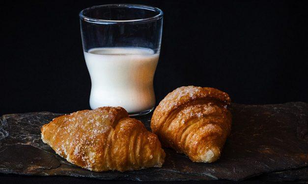 Elevii din Romania, lasati fara lapte si corn