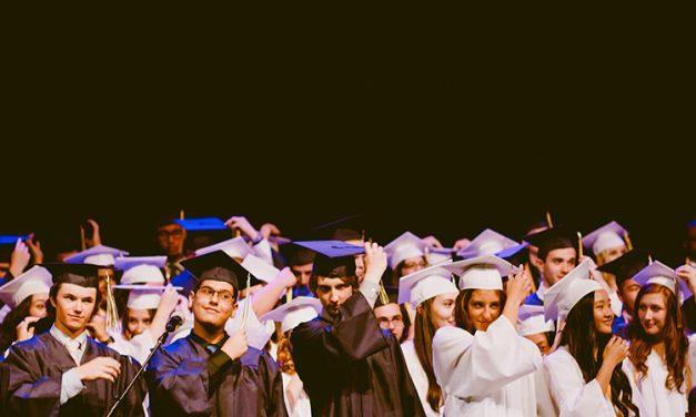Luni incepe noul an universitar