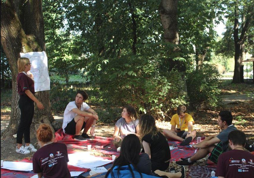 Studentii cer cresterea subventiei pentru masa si cazare in tabere