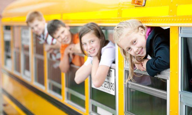 Elevii din Bucuresti ar putea circula gratuit cu mijloacele de transport in comun
