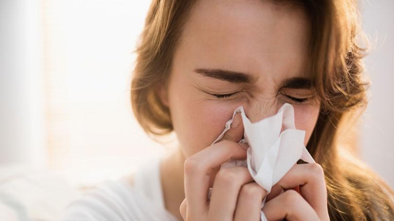 Epidemie de gripă declarată oficial în România. Inspectoratele școlare pot lua decizia suspendării cursurilor.