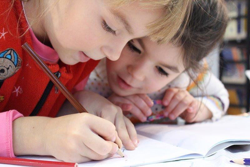 Luni e prima zi de inscriere a copiilor la clasa pregatitoare. Uite ce ai de facut!