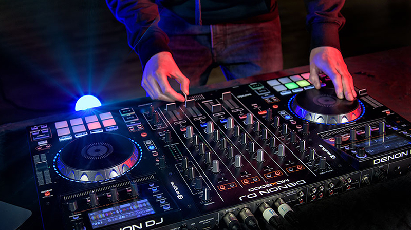 30 de tineri vor fi pregatiti la prima scoala gratuita de DJ din Romania