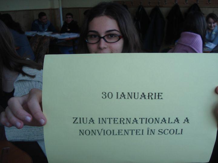 Azi e Ziua Internațională a nonviolenței în școli