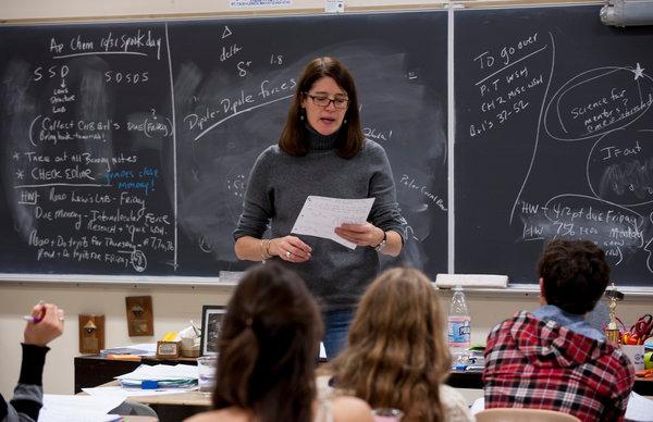 Profesorii cer introducerea examenului de admitere în licee