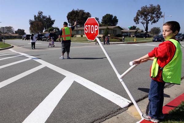 Elevii ar putea studia la școală educația rutieră