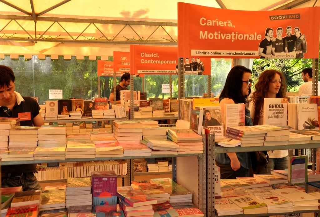 Caravana cărții BookLand revine la Târgu Mureș