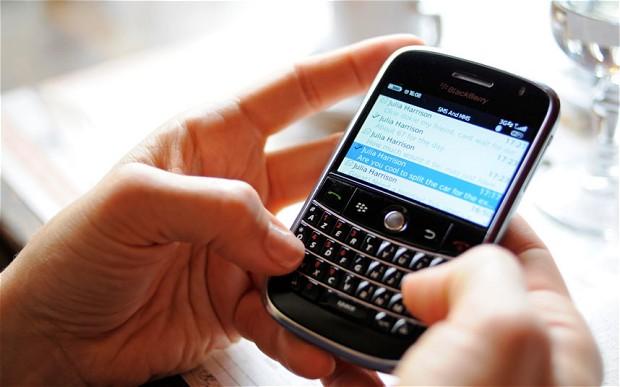 Un student la Mecatronică a găsit soluția care păstrează telefonul mobil încărcat tot timpul