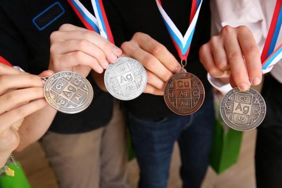 Ministerul Educației îi va premia în septembrie pe olimpicii internaționali
