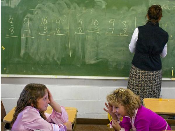 Aproape 50% dintre profesori vor fi titulari în anul școlar ce urmează să înceapă