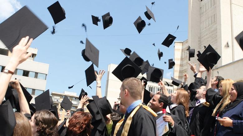 Sute de locuri bugetate și mii de locuri cu taxă au rămas neocupate în universități