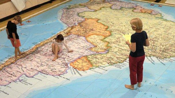 Studenții români vor să lucreze în America de Sud și China