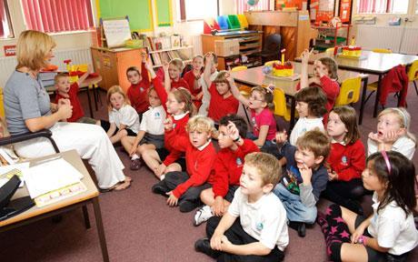 Copiii care merg la after-school ar putea primi 100 de lei lunar