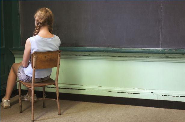 Elevii nu mai pot fi trimiși la colț sau dați afară în timpul orei