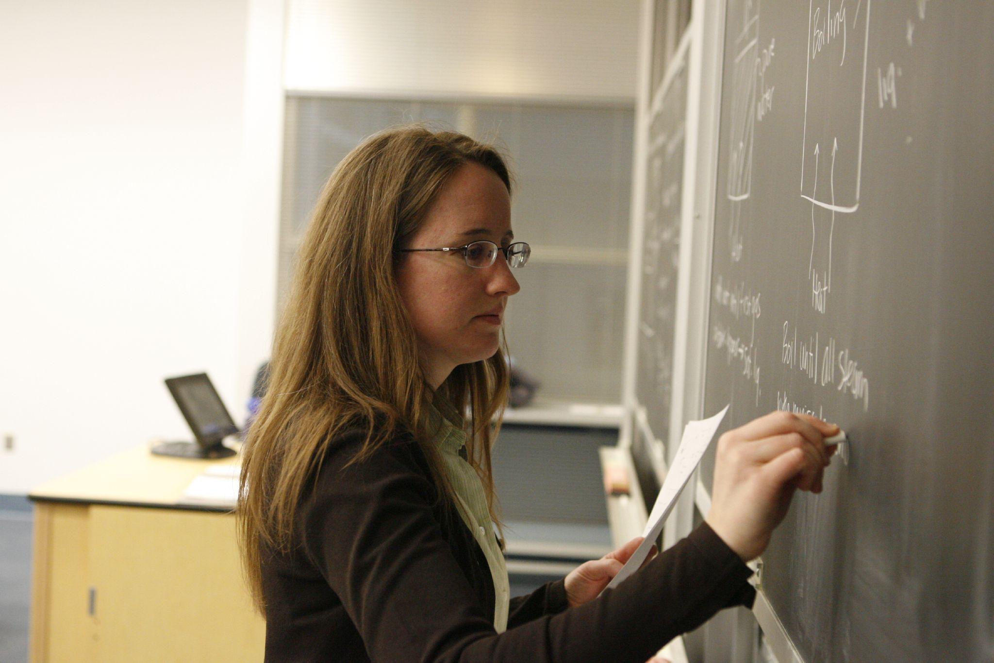 Profesorii români sunt printre cel mai prost plătiți din UE