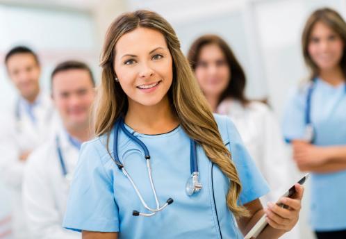Absolvenții de medicină care nu au luat rezidențiatul ar putea profesa în limita competențelor