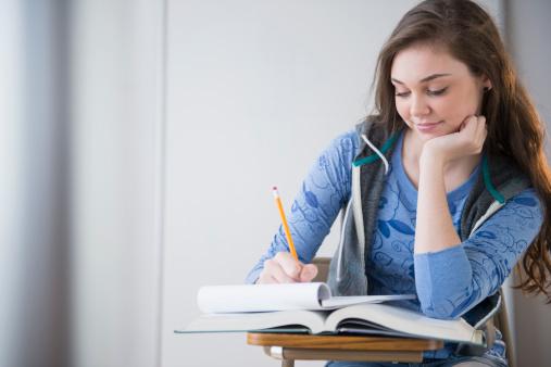 Universitățile oferă meditații gratuite elevilor care vor sa treacă BAC-ul