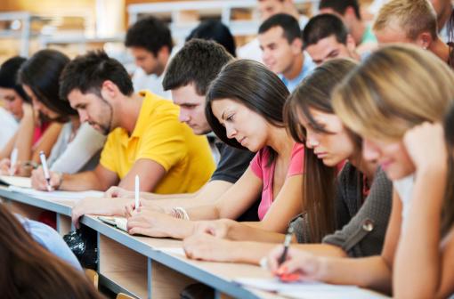 Studenții îi cer ministrului Mihnea Costoiu să își respecte promisiunile