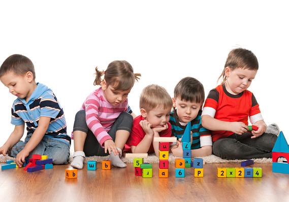 Au început înscrierile la grădiniță pentru copiii nou intrați în sistem
