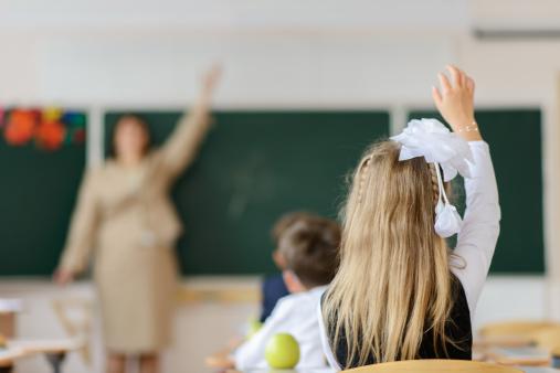 Elevii se întorc la școală după mini-vacanța de Paște