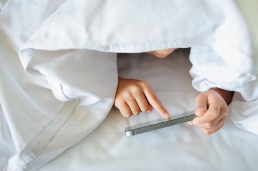 Copiii japonezi nu mai pot folosi telefoanele mobile noaptea