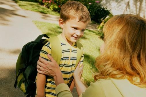 Senatul a adoptat tacit propunerea ca părinții să aibă zi liberă la începerea anului școlar