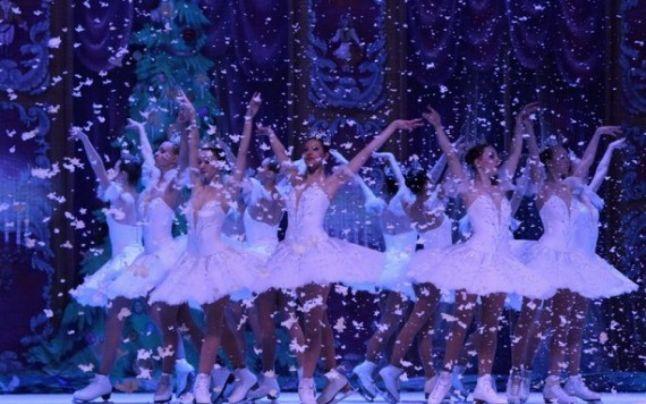 Teatrul Clasic de Balet pe Gheață din Moscova ajunge pentru prima dată la București