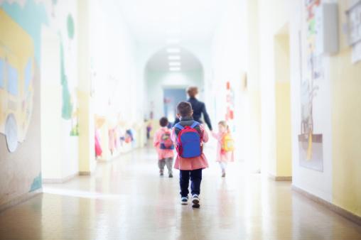 Luni elevii revin la școală. Încep emoțiile pentru evaluările naționale
