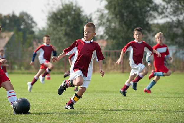 De anul viitor, elevii vor face o oră de fotbal pe săptămână