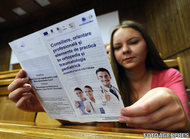 Universitățile trebuie să înființeze centre de consiliere și orientare în carieră pentru studenți și liceeni