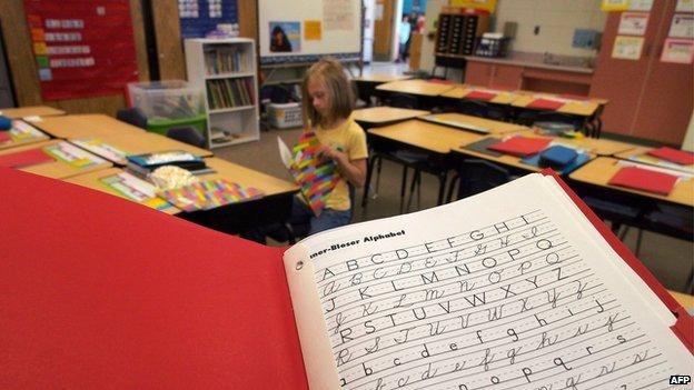 În Finlanda, elevii nu vor mai învăța să scrie de mână