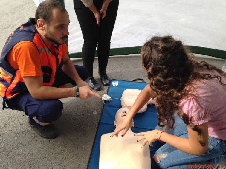 Elevii ar putea face ore de resuscitare cardiorespiratorie