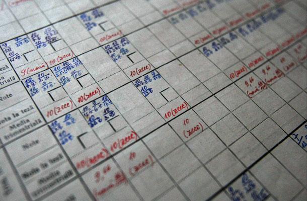 Elevii își pot contesta notele din catalog