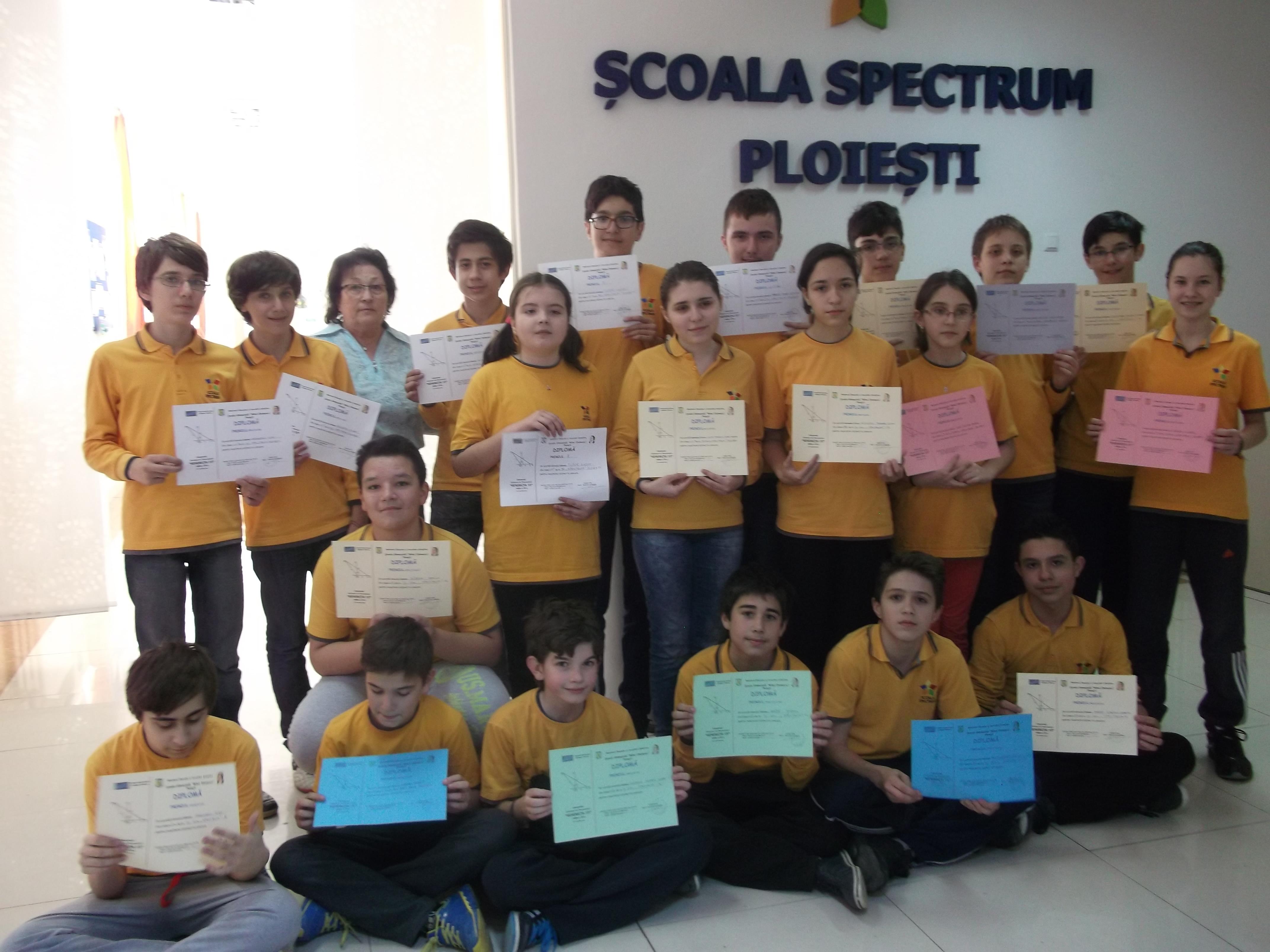 Elevii Școlii Spectrum, cei mai buni matematicieni din Prahova