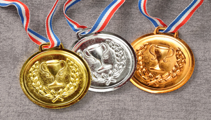 Succes pentru elevele din România: Patru medalii și locul 3 în Europa la Olimpiada de Matematică