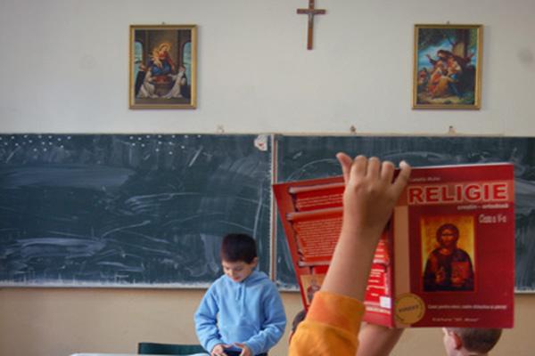 Înscrierea la ora de Religie s-ar putea face pe o perioadă determinată