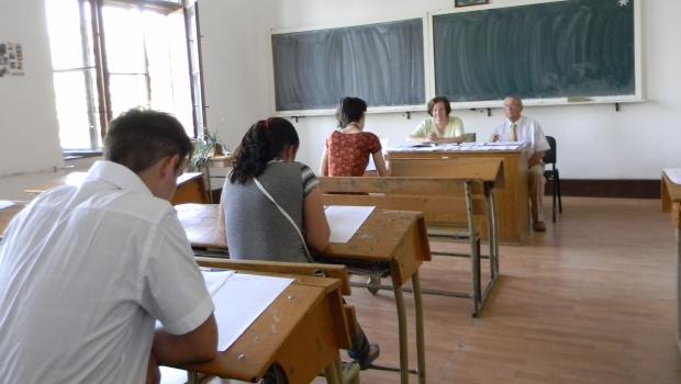 Peste 42.000 de absolvenți de liceu, înscriși la sesiunea de toamnă a examenului de Bacalaureat