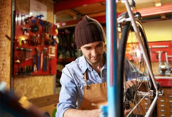 Ultimul raport al Global Entrepreneurship Monitor : tinerii au un spirit antreprenorial mai dezvoltat decât adulții