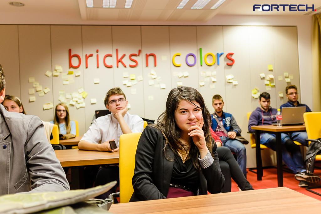 Peste 100 de liceeni clujeni au absolvit programul de educație în IT inițiat de Fortech