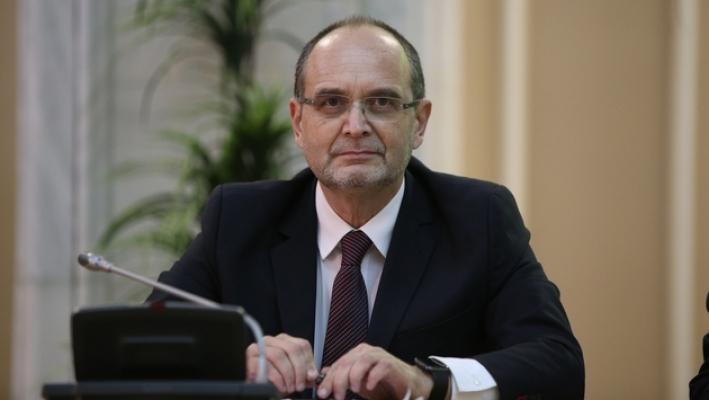 Ministrul Educației cere rectorilor să analizeze recomandările făcute de profesori pentru cărțile deținuților