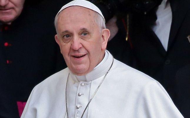 Prima carte scrisă de papa Francisc va apărea în România, în ianuarie, la editura Trei