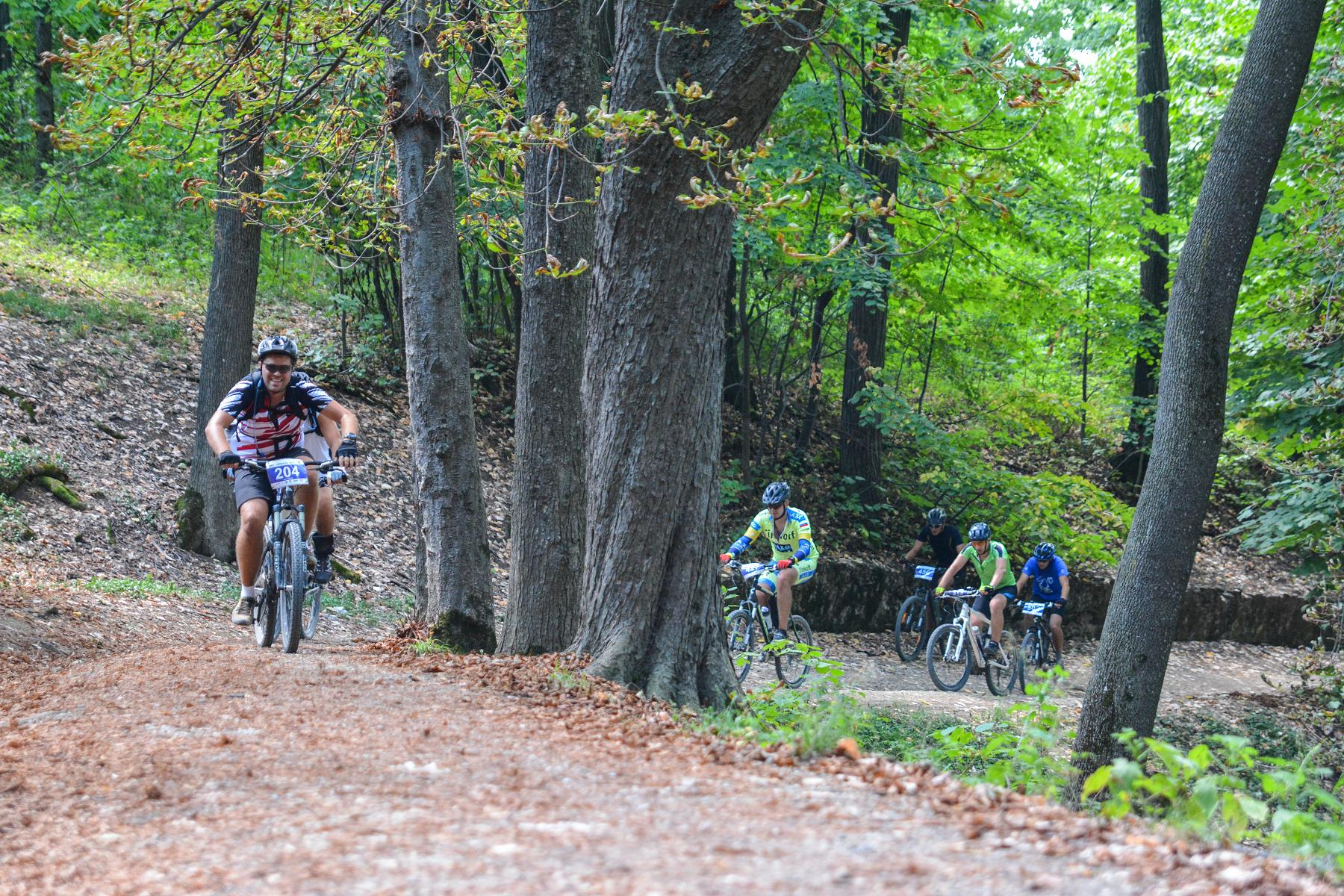 Livada cu Cireși  – o escapadă ciclistă cu infuzii de adrenalină