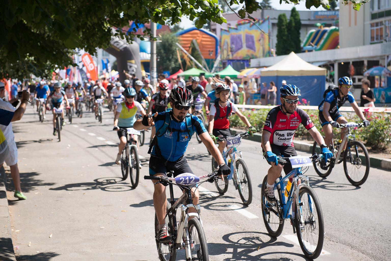 Lupii Dacilor-Trofeul Muscelului, aventură la cote înalte pentru cicliști