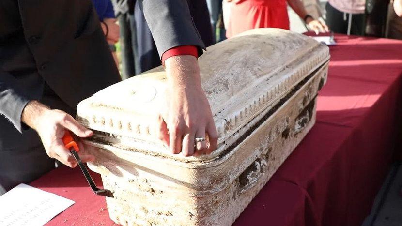 Studentii Universitatii Shenandoah din Virginia au descoperit o capsula a timpului