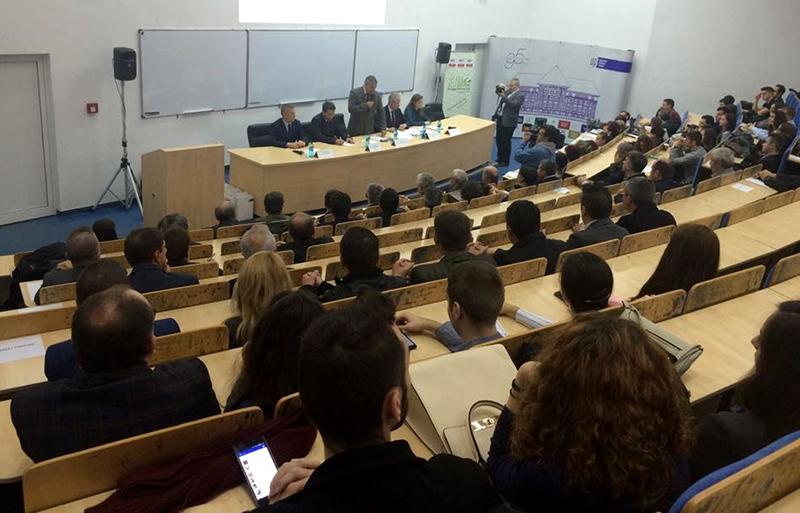 Universitatea Politehnica ofera cursuri gratuite pentru elevii de clasa a XII-a